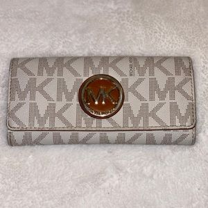 Michael Kors Women's Fulton Signature Clutch